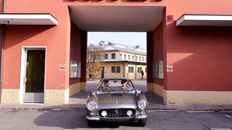 through-the-restoration-of-up-to-14-months-250gt-swb-is-to-a-new-life20151207-5