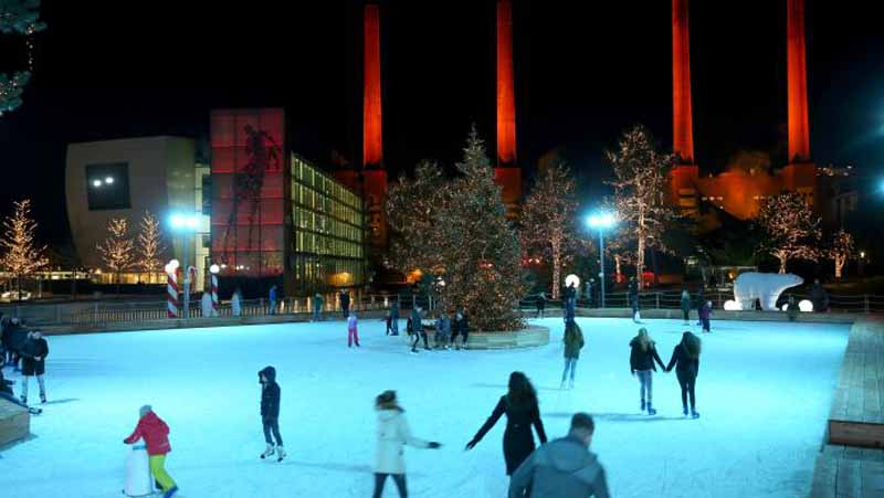 volkswagen-automobile-theme-park-autostadt-is-winter-attire20151220-7