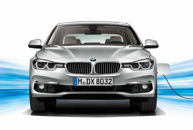 bmw-3-series-sedan-of-plug-in-hybrid-330e-announcement20160127-15