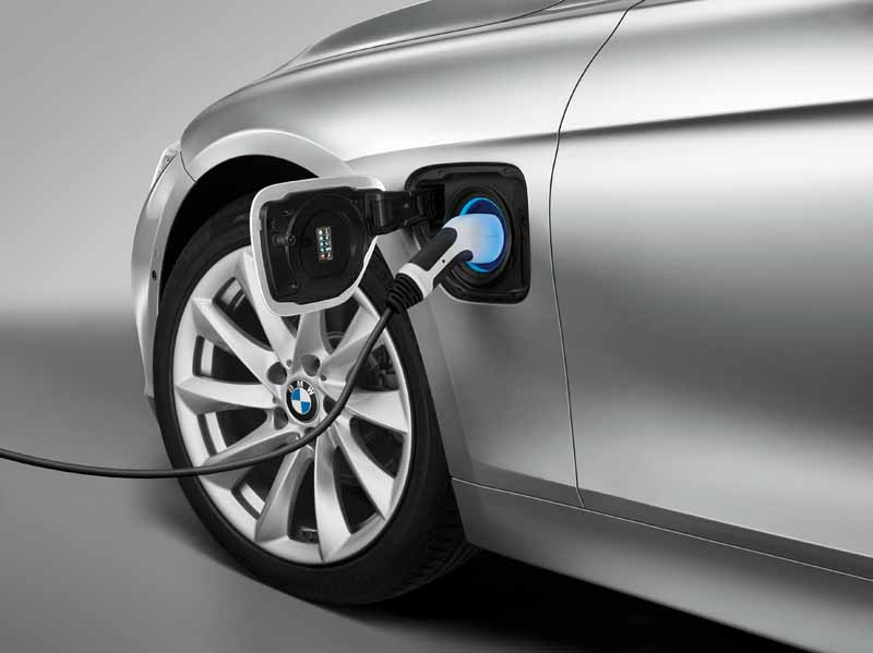 bmw-3-series-sedan-of-plug-in-hybrid-330e-announcement20160127-16