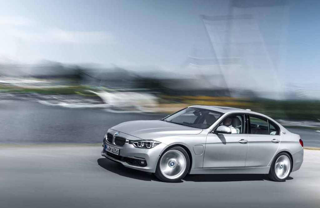 bmw-3-series-sedan-of-plug-in-hybrid-330e-announcement20160127-3