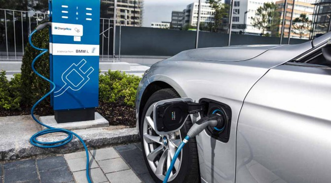 bmw-has-two-models-simultaneously-announced-a-new-plug-in-hybrid-model20160126-3