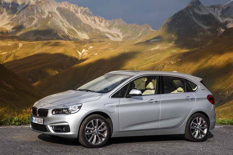 bmw-has-two-models-simultaneously-announced-a-new-plug-in-hybrid-model20160126-4