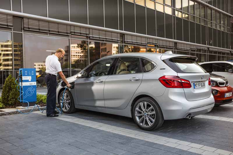 bmw-has-two-models-simultaneously-announced-a-new-plug-in-hybrid-model20160126-5