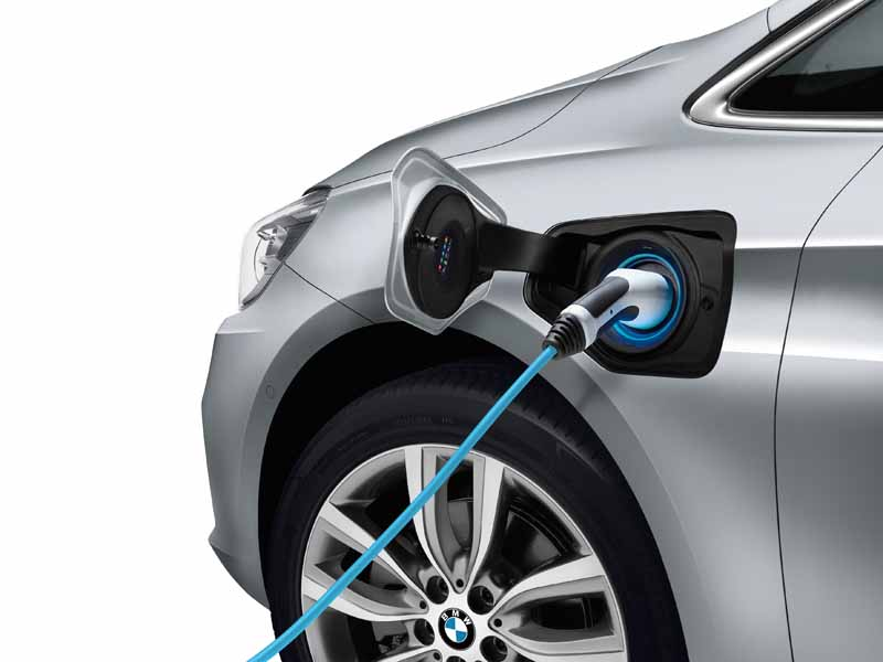 bmw-plug-in-hybrid-model-225xe-active-tourer-announcement20160126-12