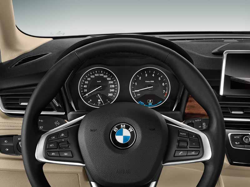 bmw-plug-in-hybrid-model-225xe-active-tourer-announcement20160126-15