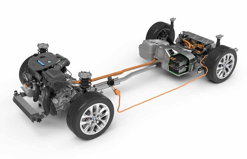 bmw-plug-in-hybrid-model-225xe-active-tourer-announcement20160126-7