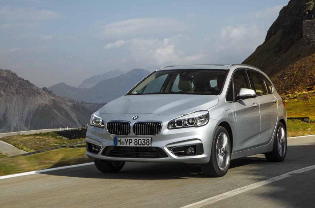 bmw-plug-in-hybrid-model-225xe-active-tourer-announcement20160126-8