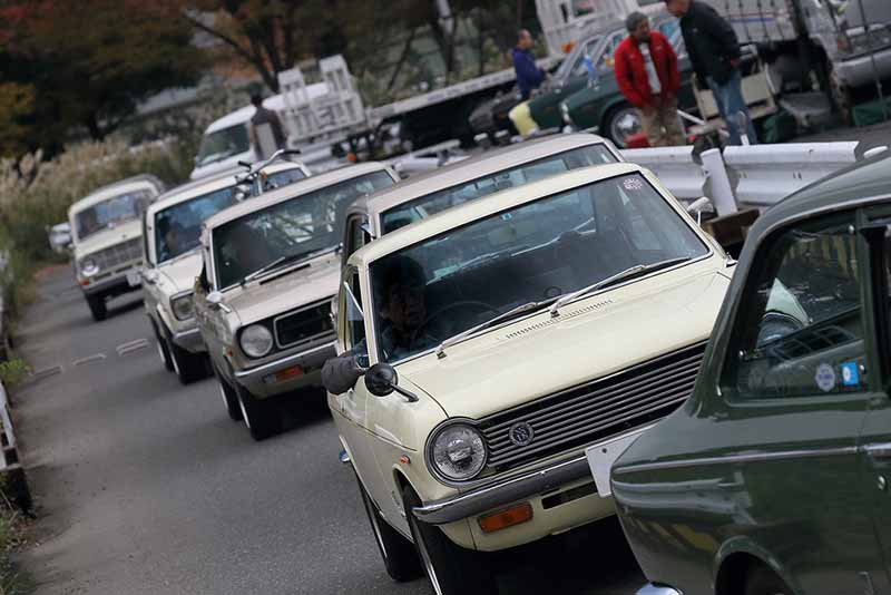 celebration-of-the-old-car-that-play-with-family-old-car-heaven-is-held-in-nagoya-auto-trend20160125-2