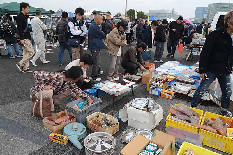 celebration-of-the-old-car-that-play-with-family-old-car-heaven-is-held-in-nagoya-auto-trend20160125-4