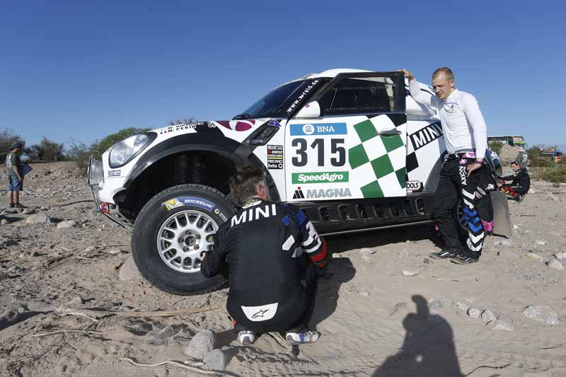 dakar-2016-13th-peterhansel-wins-is-the-hardest-part-fianbara20160115-13