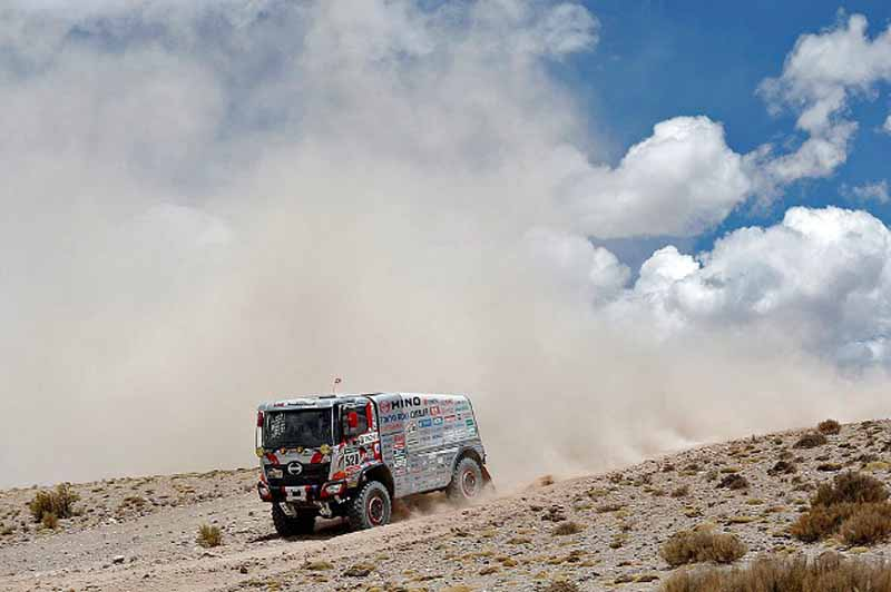 dakar-2016-loeb-wraps-the-first-half-of-the-season-in-top-spot20160112-11
