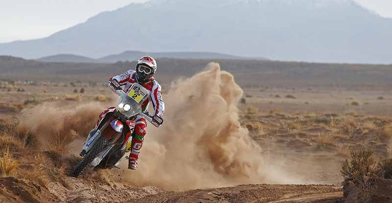 dakar-2016-loeb-wraps-the-first-half-of-the-season-in-top-spot20160112-2