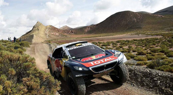 dakar-fifth-day-overall-lead-robe-of-peugeot-2-wheeled-honda-the-track-is-hino-lead20160107-1