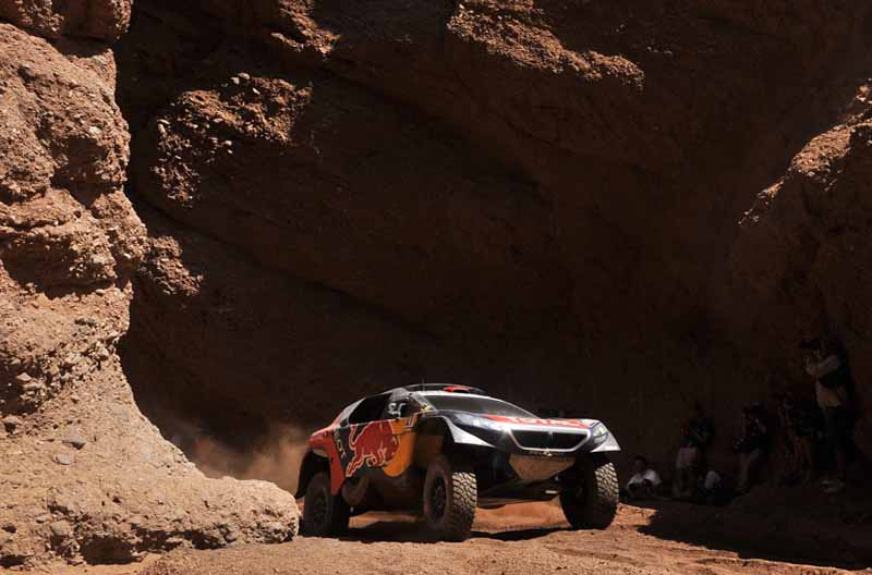 dakar-rally-loeb-sink-the-8-position-in-the-vehicle-overturn-top-spot-again-in-the-hands-of-peterhansel20160113-2