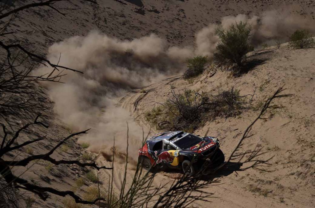 dakar-rally-sainz-led-the-12th-mini-camp-expand-chasing-peugeot-bias20160113-6