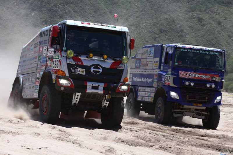 dakar-rally-sainz-led-the-12th-mini-camp-expand-chasing-peugeot-bias20160113-9