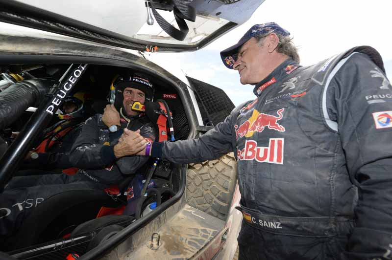 dakar-rally-the-7th-8th-followed-by-seesaw-game-of-the-lobe-and-peterhansel20160110-35
