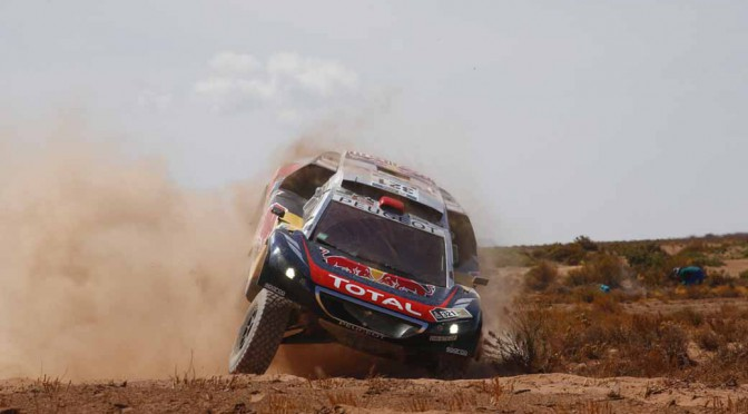 dakar-rally-the-7th-8th-followed-by-seesaw-game-of-the-lobe-and-peterhansel20160110-41