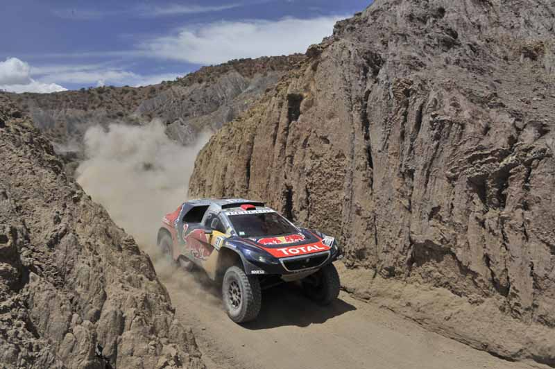 dakar-rally-the-7th-8th-followed-by-seesaw-game-of-the-lobe-and-peterhansel20160110-48