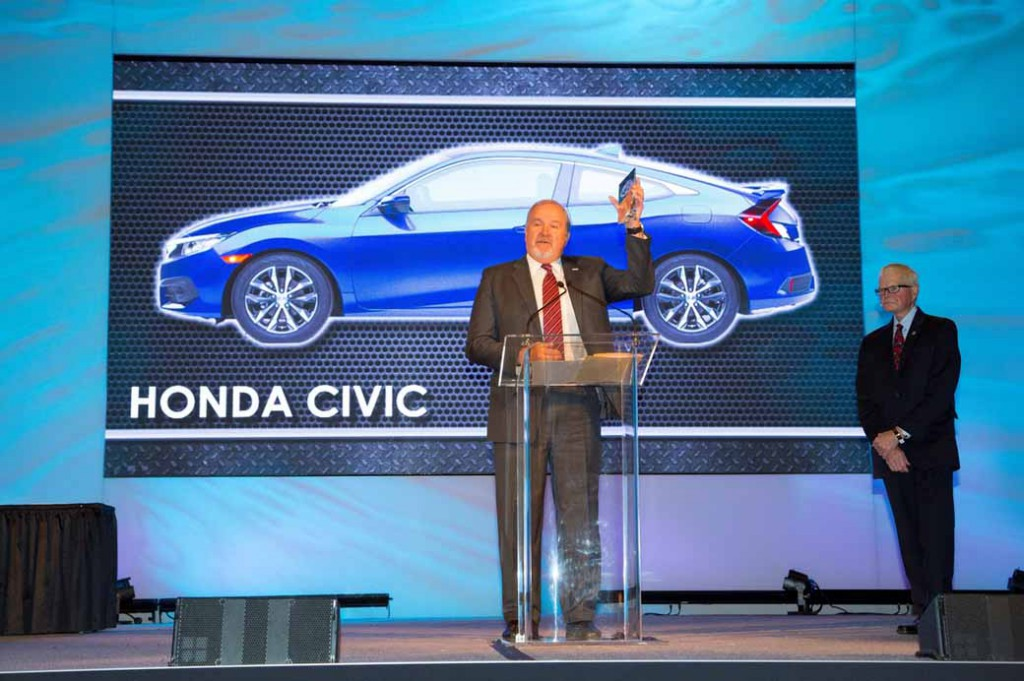 civic-sedan-has-won-the-us-·-north-american-car-of-the-year20160112-1