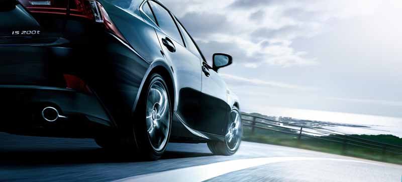 lexus-and-set-the-special-specification-car-f-sport-mode-plus-to-is300h-is200t20160121-4
