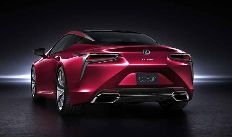 lexus-and-the-world-premiere-of-the-new-luxury-coupe-lc500-at-the-detroit-motor-show20160112-2