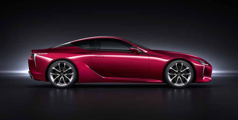 lexus-and-the-world-premiere-of-the-new-luxury-coupe-lc500-at-the-detroit-motor-show20160112-6