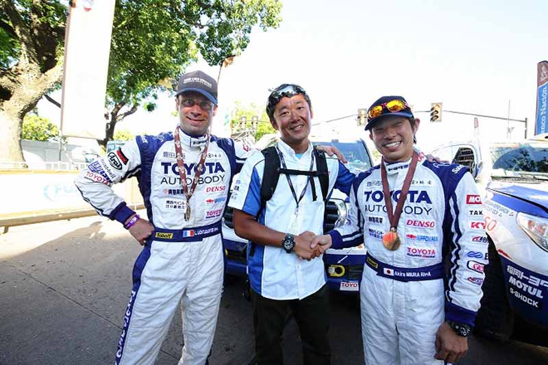 the-toyota-president-comments-on-the-dakar-rally-2016-land-cruiser-three-peat20160117-13