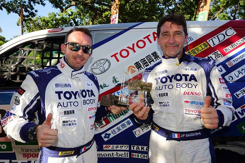 the-toyota-president-comments-on-the-dakar-rally-2016-land-cruiser-three-peat20160117-14