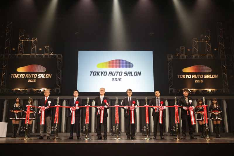 tokyo-auto-salon-opening-the-period-for-three-days-until-the-17th-16-days-doors-open-until-2000-20160116-12