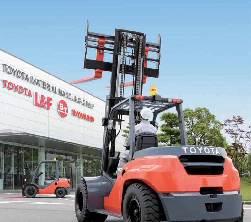 toyota-industries-forklift-domestic-sales-in-50-consecutive-top-spot-fcv-development-is-also-in-progress20160123-1