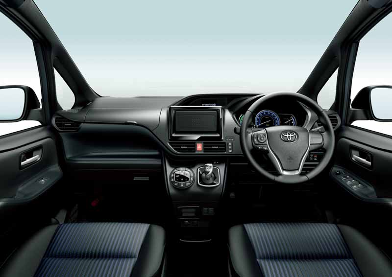 toyota-voxy-noah-and-toyota-safety-sense-c-mounted-in-esquire20160106-14