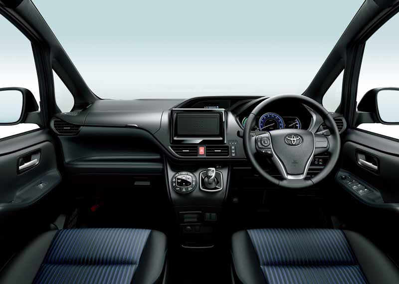 toyota-voxy-noah-and-toyota-safety-sense-c-mounted-in-esquire20160106-8