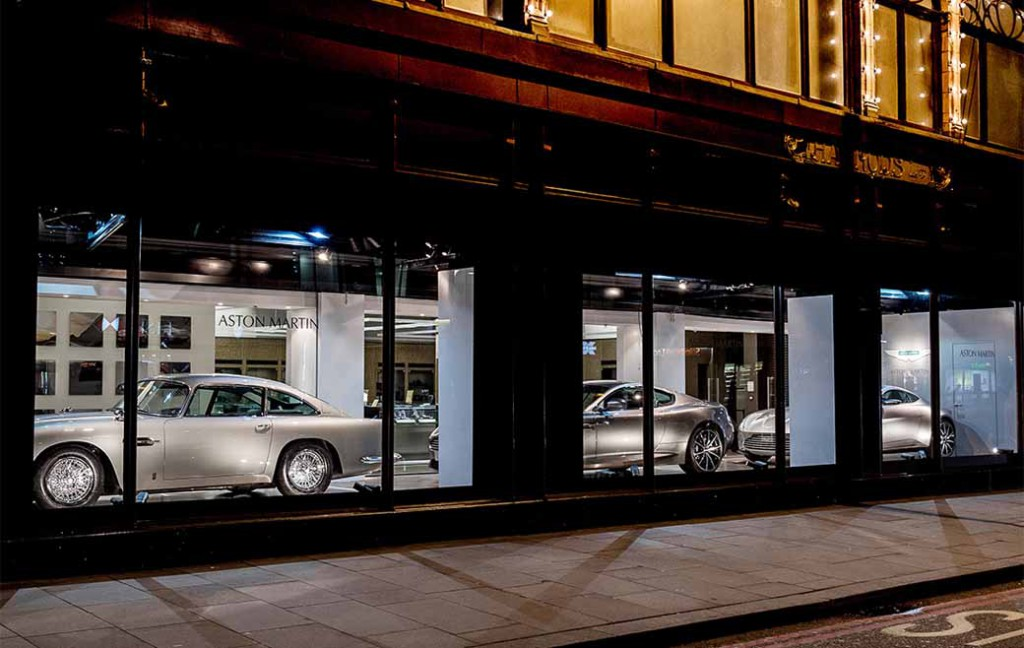 uk-harrods-of-window-shopping-look-at-the-aston-martin20160113-2