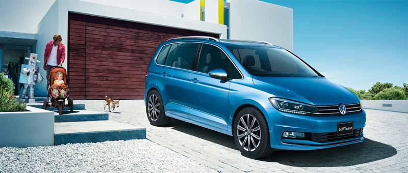 volkswagen-golf-touran-was-full-model-change-for-the-first-time-in-11-sales-start20150112-2