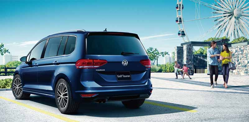 volkswagen-golf-touran-was-full-model-change-for-the-first-time-in-11-sales-start20150112-4