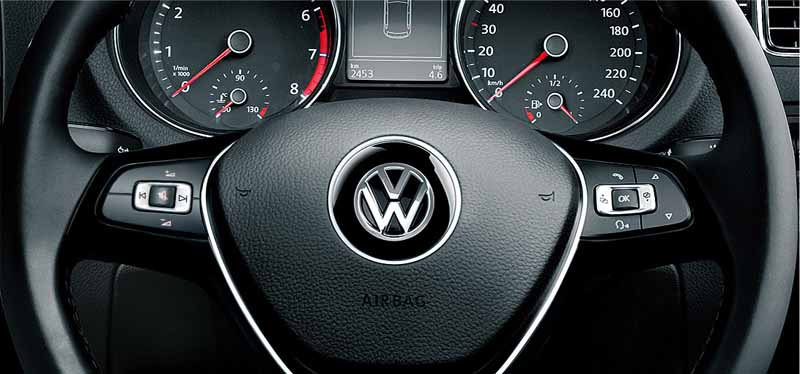volkswagen-japan-polo-limited-model-two-models-are-released20160126-6