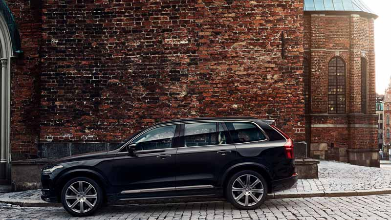 volvo-introduced-the-xc90-seven-seater-model-with-enhanced-safety-performance-to-the-japanese-market20160127-12