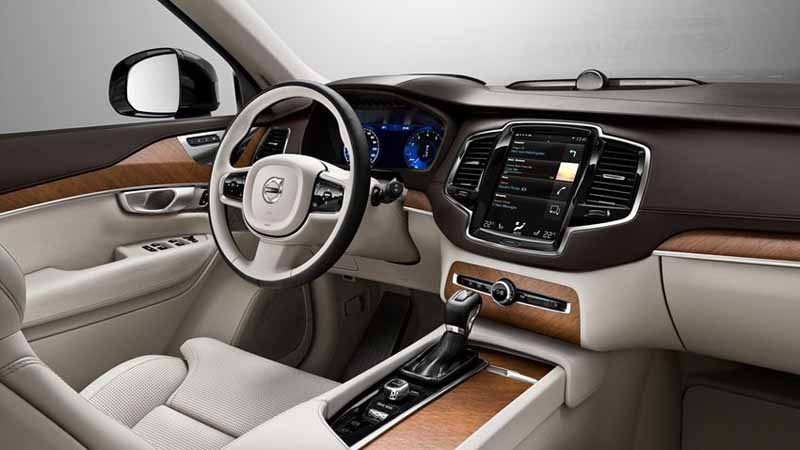 volvo-introduced-the-xc90-seven-seater-model-with-enhanced-safety-performance-to-the-japanese-market20160127-26