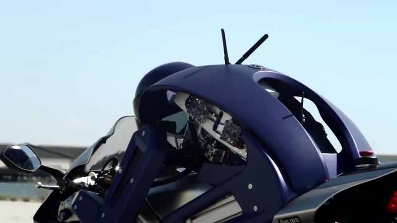 yamaha-motor-circuit-sprint-planning-the-start-of-the-humanoid-autonomous-robot-rider-motobot20160109-4