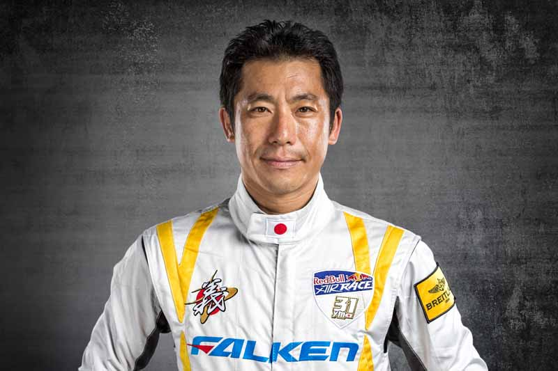 falken-support-the-muroya-player-of-red-bull-air-race-world-championship-race20160224-2