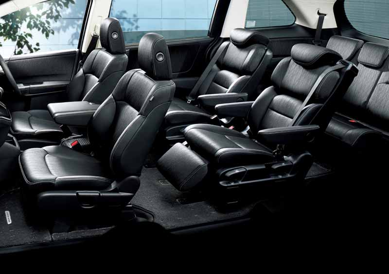 honda-odyssey-hybrid-interior