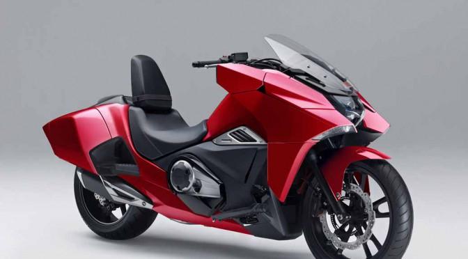 ホンダ、近未来フォルムの大型二輪車「NM4」シリーズ発売へ