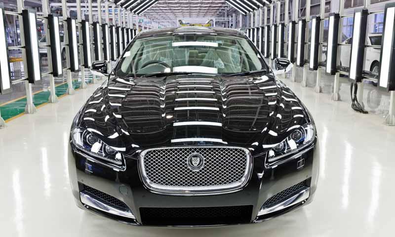 jaguar-land-rover-is-the-uks-largest-car-manufacturer20160202-8