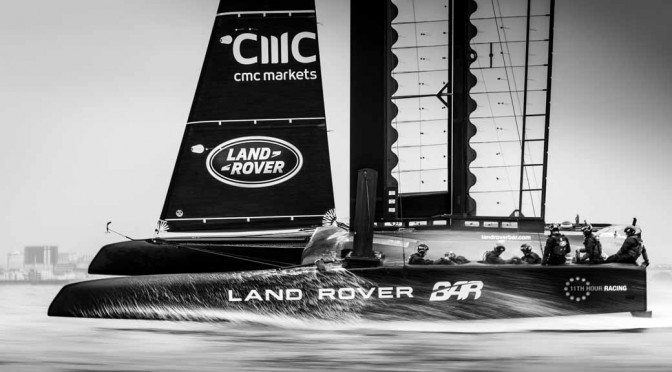 ランドローバー、最速ヨットの開発でランドローバーBARと連携