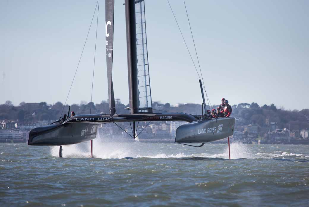 land-rover-land-rover-bar-and-cooperation-in-the-development-of-the-fastest-yacht20160229-3