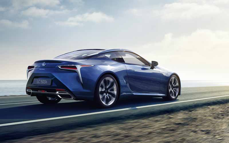 lexus-exhibited-the-new-luxury-coupe-lc500h-to-the-geneva-motor-show20160215-2