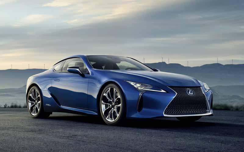 lexus-exhibited-the-new-luxury-coupe-lc500h-to-the-geneva-motor-show20160215-3