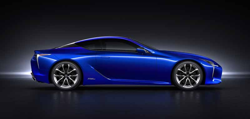 lexus-the-world-premiere-of-the-lc500h-of-the-multi-stage-hybrid-system-installed20160218-14